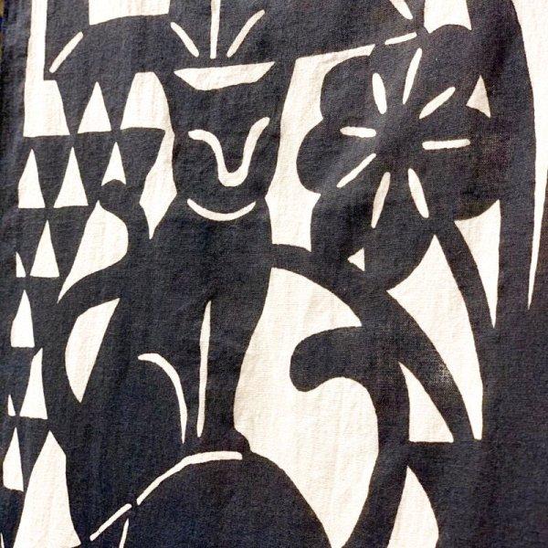 画像3: [型染] よつめ染布舎/手ぬぐい・窓辺の猫(濃紺)